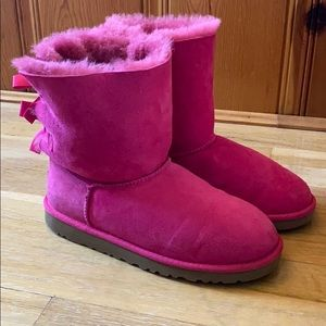 Pink bailey bow Ugg's